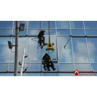 Установка стеклопакетов профессионалами от компании «Альпинисты»
